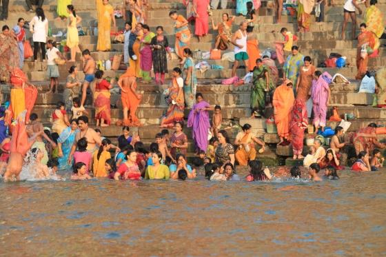 Ceremonia_matutina._Varanassi._Ciudad_Sagrada._Rio_Ganges