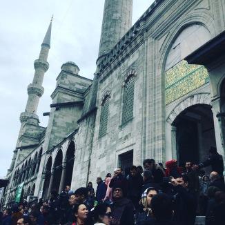 La sortie de la prière, à la Mosquée bleue